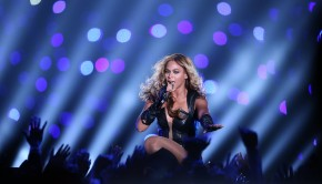 Beyonce-Super-Bowl-2013-Performing-49