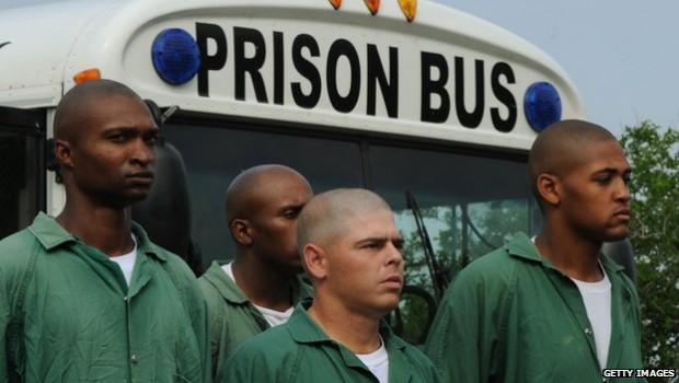 _66399185_prisonbus